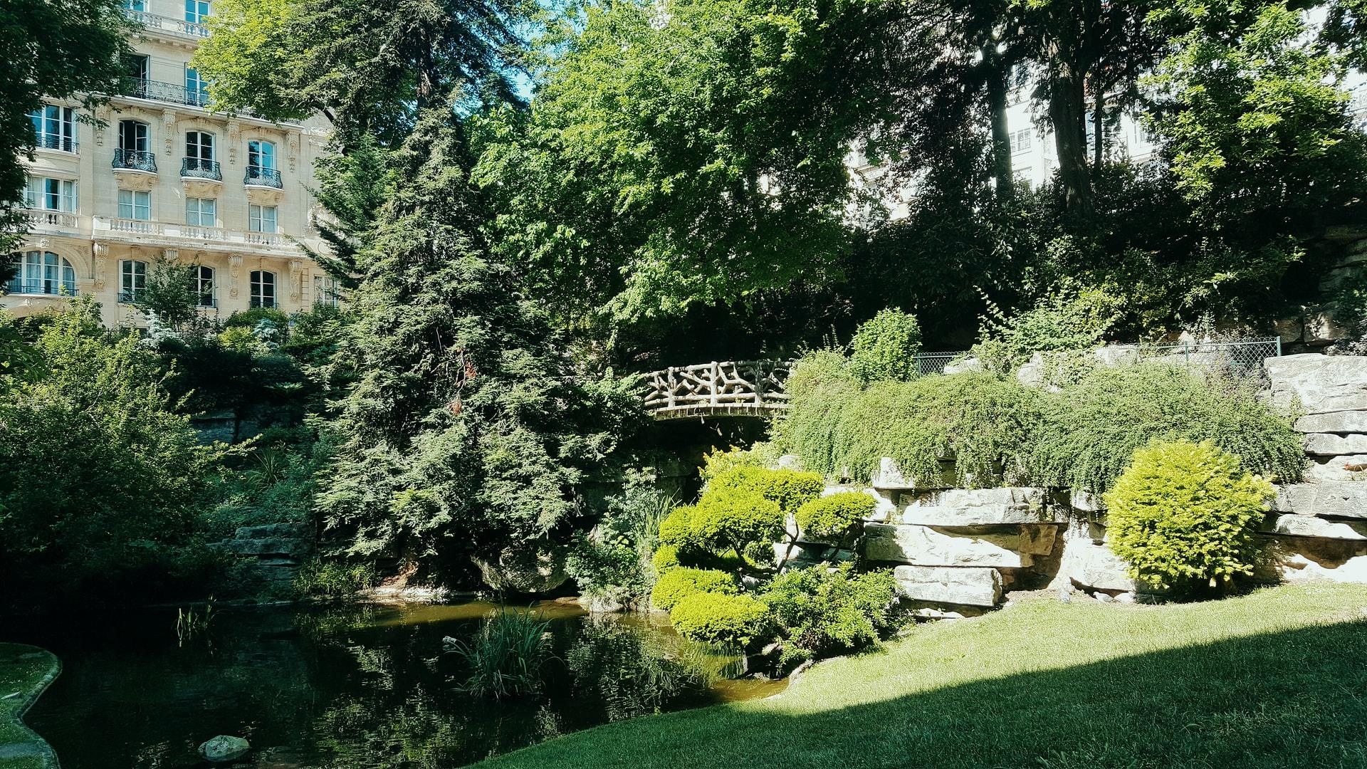 jardin d'une maison privé