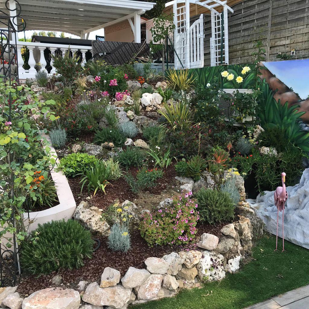 jardin avec restanque